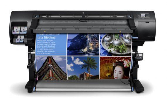 IMPRESSIONS DE GRAN FORMAT AMB TINTES SOLVENTS La impressió digital en gran format la realitzem amb tecnologia ROLAND a travès de la impressora JUMBEJET.